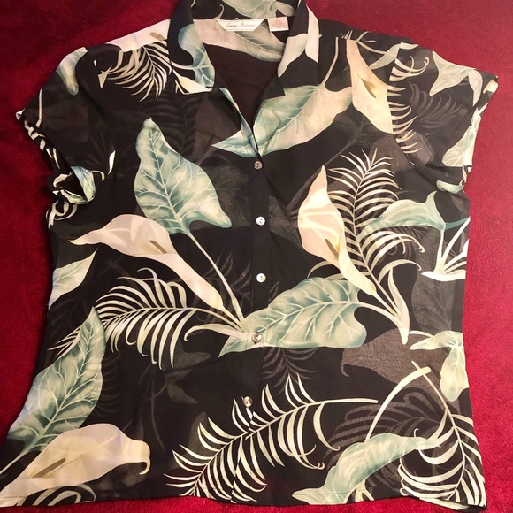Tommy Bahama Tops - Tommy Bahama button up shirt size M
